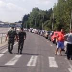 Навіть у присутності двох високопоставлених прикордонників КПП Ягодин, автомобілі з львівськими і волинськими номерами їхали без черги