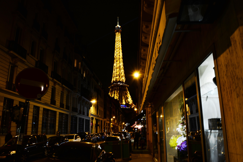 вежа з вулиці